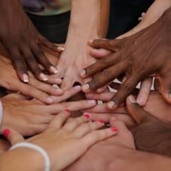 La lotta al cancro non ha colore, opuscolo in diverse lingue