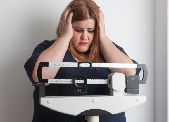 Obesità di mamma e papà, rischio ritardi sviluppo bimbi